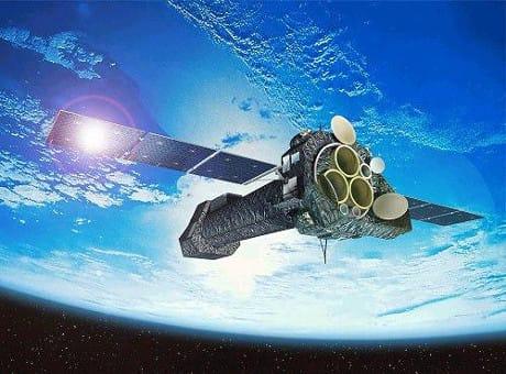 Raffigurazione del telescopio spaziale XMM-Newton. (Cortesia ESA)
