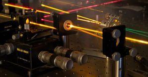 Il grafene genera luce: la trasmissione dati potrà diventare più veloce
