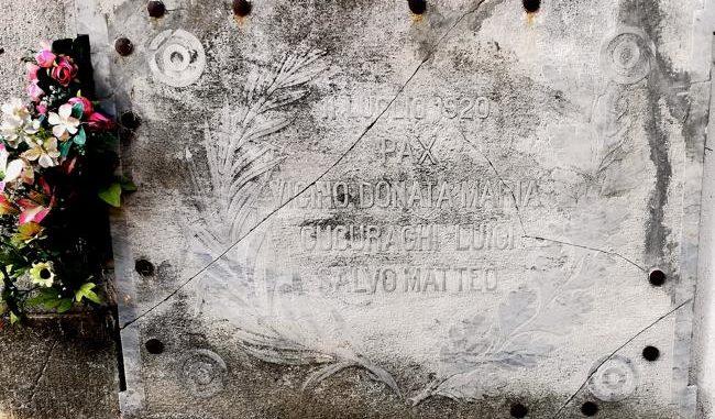 Corleto Perticara (Potenza): cimitero, la lapide dedicata alle vittime dei moti del 1920 per il grano