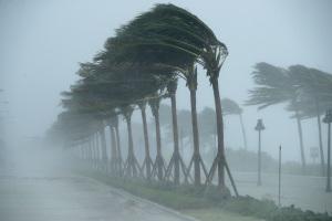 Un aumento della temperatura porterà a piogge più intense durante un uragano
