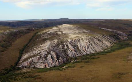 Il sito di Trail Creek, in Alaska, dove sono stati scoperti resti umani risalenti a circa 9000 anni fa. (Cortesia NPS photo by Jeff Rasic)