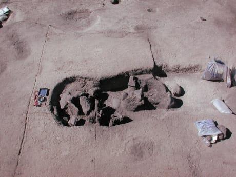 Una delle sepolture in cui sono stati rinvenuti i resti analizzati. (Cortesia Mark Aldenderfer)