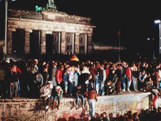 L'errore che provocò la caduta immediata del muro di Berlino