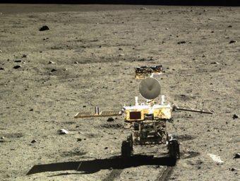 Il rover Yutu, della missione cinese Chang'e-3, sulla Luna. Crediti: Cnsa