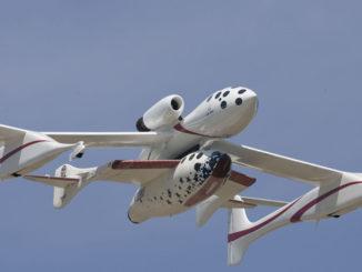 Inizia l'era del turismo spaziale con SpaceShipTwo
