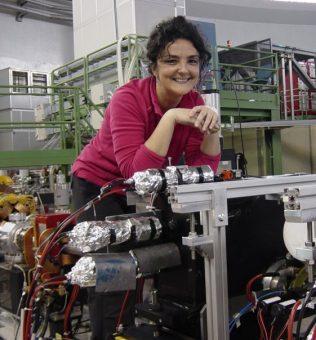 Catalina Curceanu, ricercatrice all'Istituto nazionale di fisica nucleare e coautrice dello studio pubblicato su Physics Letters B