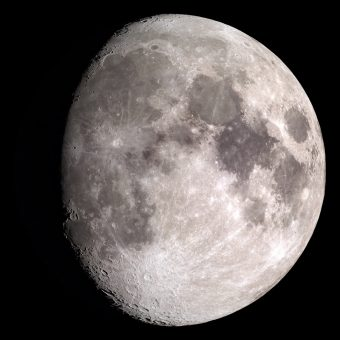Luna gibbosa. Crediti: Ernie Wright/Nasa