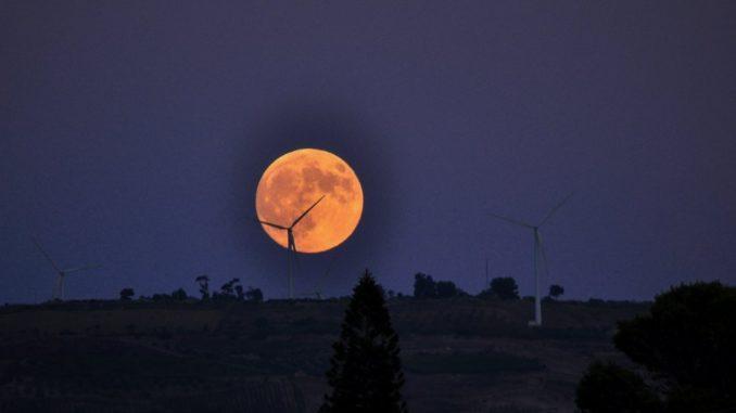 Eclissi della super luna di sangue