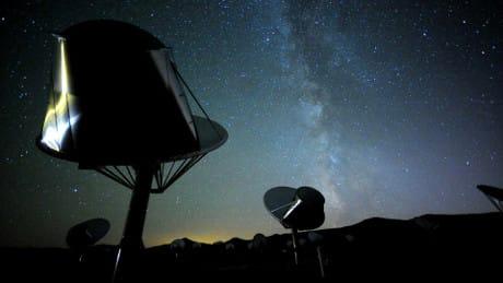 L'Allen Telescope Array è uno dei più grandi rediotelescopi usato anche per la ricerca di forme di vita intelligente extraterrestre. (Cortesia Seth Shostak/SETI Institute)