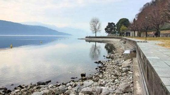 """Uno scorcio del lago maggiore """"a secco"""""""