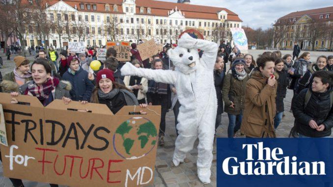 Oggi manifestazioni in piazza per il futuro del pianeta Terra