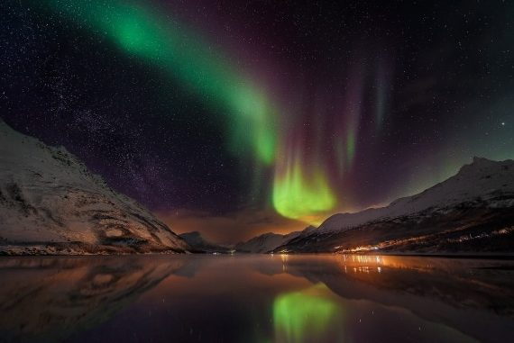 Un'aurora boreale in Norvegia: una delle foto finaliste dell'Insight Astronomy Photographer of the Year 2016. | Matt Walford