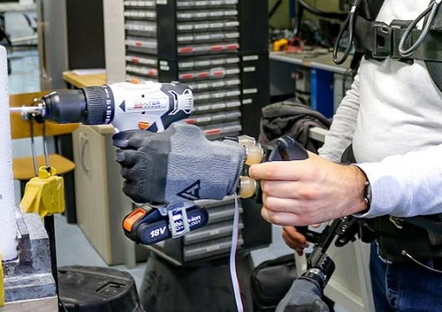 Particolare del sistema robotico di arti sovrannumerari (fonte: IIT) © ANSA/Ansa