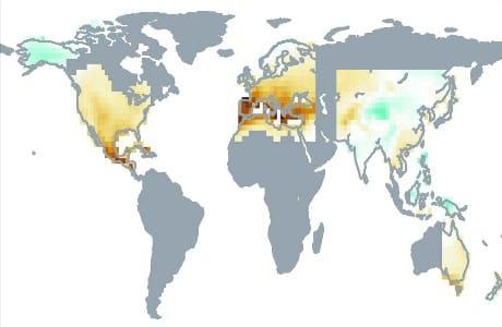Proiezione dei cambiamenti nei livelli di siccità. L'intensità del marrone indica un'aridità via via maggiore, quella del verde indica invece un aumento dell'umidità. (Cortesia Marvel et al., Nature, 2019, adattato)