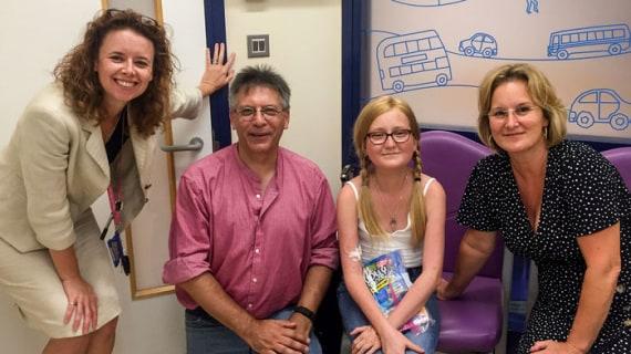 Helen Spencer, Graham Hatfull insieme a Isabelle Holdaway e la madre Jo. | Helen Spencer via Science Magazine