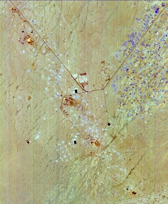 La dispersione di gas dagli incendi dei pozzi di Bassora, in Iraq