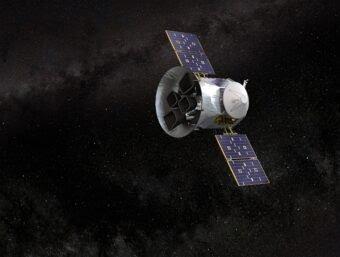 Impressione artistica del satellite Tess della Nasa. Crediti: NASA's Goddard Space Flight Center.