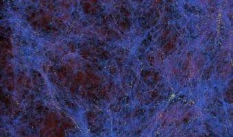 Una simulazione della struttura a larga scala dell'Universo con filamenti di materia oscura in blu e zone di formazione delle galassie in giallo. La materia oscura non può ancora essere rilevata direttamente. I fisici della UC Davis hanno proposto un nuovo modello per spiegarne la natura. Crediti: Zarija Lukic/Lawrence Berkeley National Laboratory.