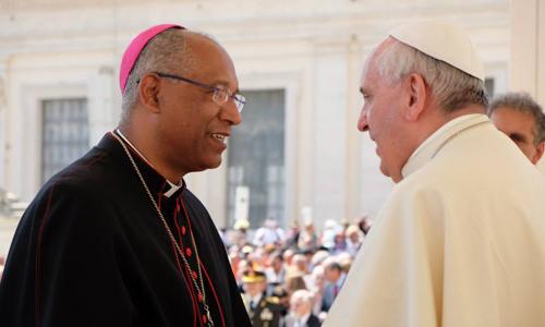 Mons.Zanoni vescovo di Anguera con Papa Francesco