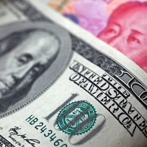 Dollaro e sterlina