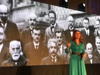 """Spettacolo """"monologo quantistico"""" ad Albissola Marina"""