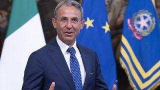 Il ministro dell'Ambiente, Sergio Costa, prima del consiglio dei ministri del secondo governo Conte a Palazzo Chigi, Roma, 5 settembre 2019.(ansa)