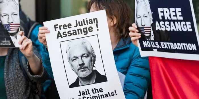 Negata libertà ad ex 'hacker' di Anonymous per essersi rifiutato di testimoniare contro Assange