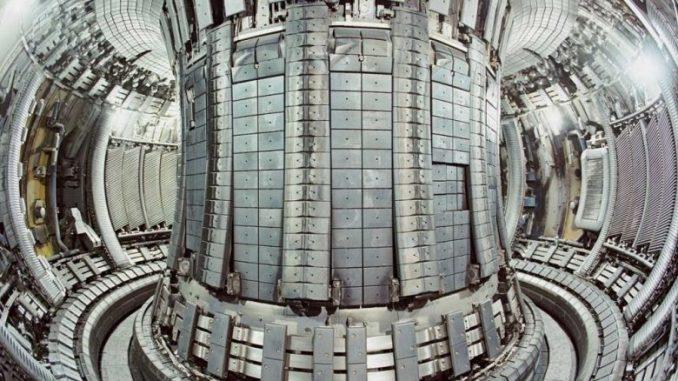 Interno del reattore a fusione nucleare ITER. Credits: italiaambiente.it