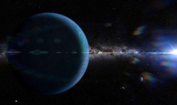 Il sistema solare è influenzato dal planet 9 o da un buco nero ?