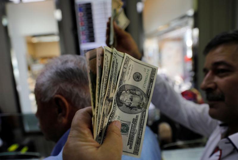 L'America immette miliardi di dollari sul mercato finanziario