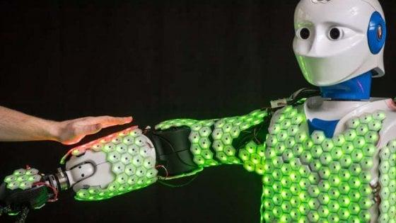 Simil pelle di sensori per robot