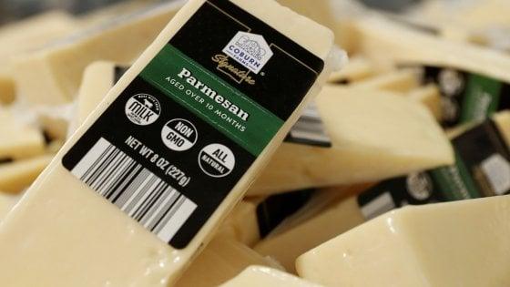 Dazi, la battaglia del Parmesan: tutti contro i produttori di latte e formaggi Usa