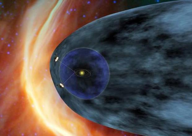 Rappresentazione artistica della sonda americana Voyager 2 al confine con lo spazio interstellare (fonte: NASA/JPL-Caltech)