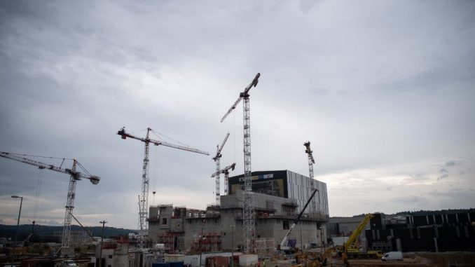 Costruzione di centrale nucleare
