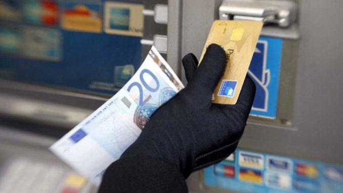 Minorenne clonava carte di credito per milioni di dollari