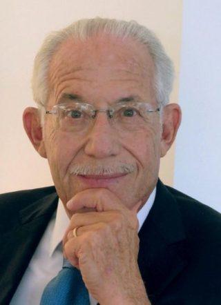 L'autore Biologo, imprenditore e filantropo, William A. Haseltine è stato professore alla Harvard Medical School e alla Harvard School of Public Health, ed è noto per le sue ricerche pionieristiche su cancro, HIV/AIDS e genomica.