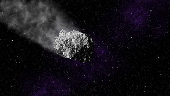 """Bolide nei cieli del Nord Italia. Gli astrofisici: """"Occhio ai frammenti di meteorite"""""""