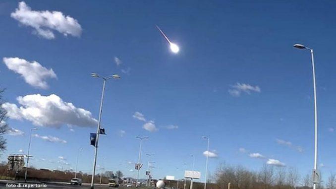 meteoroide sull'Italia del Nord