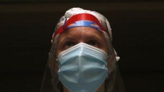 Coronavirus, Facebook contro le bufale. Rimossi i contenuti pericolosi, avvisi agli utenti e fondi per il fact checking