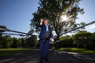 Donald Trump (AP Photo/Alex Brandon) - See more at: http://www.rainews.it/dl/rainews/articoli/Hacker-dicono-di-avere-documenti-su-Trump-chiedono-42-milioni-per-non-pubblicarli-f21f51a1-0ad2-42c2-9c3a-d9fd9ece5eb6.html