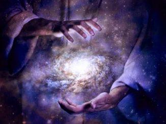Un universo doppiamente infinito con energia nulla