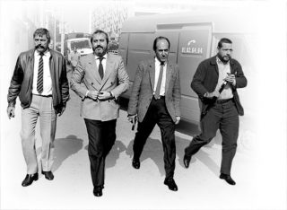 Falcone, scortato come sempre, arriva a Marsiglia nel 1986 per incontrare i colleghi che stavano indagando sulla cosiddetta Pizza Connection. |