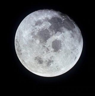 La Luna fotografata dall'Apollo 11. L'origine del nostro satellite è ancora molto dibattuta. | Nasa