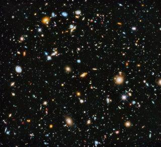 La composizione IR-visibile-IR completo dell'XDF; la più grande immagine mai rilasciata del lontanoUniverso.In una regione a solo 1/32.000.000 di cielo, abbiamo trovato 5.500 galassie identificabili, tutte grazie al telescopio spaziale Hubble.Eppure, anche in questa visione incredibilmente profonda, che rivela un Universo con centinaia di miliardi (o più) di galassie al suo interno, lo spazio appare ancora oscuro; altri osservatori dovranno rivelare cos'altro c'è nell'Universo. - NASA, ESA, H. TEPLITZ E M. RAFELSKI (IPAC / CALTECH), A. KOEKEMOER (STSCI), R. WINDHORST (ARIZONA STATE UNIVERSITY) E Z. LEVAY (STSCI)