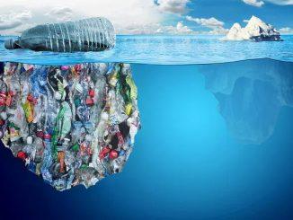 Iceberg di plastica si muovono nell'Oceano Pacifico