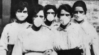 Una foto d'epoca, durante l'epidemia di influenza spagnola © ANSA/EPA