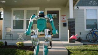 Ford crea robot bipede per consegnare pacchi fino alla porta di casa