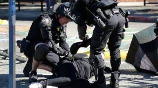 Stati Uniti, Portland ridà vigore all'onda di proteste. Rivolta a Seattle: 45 arresti, 21 agenti feriti