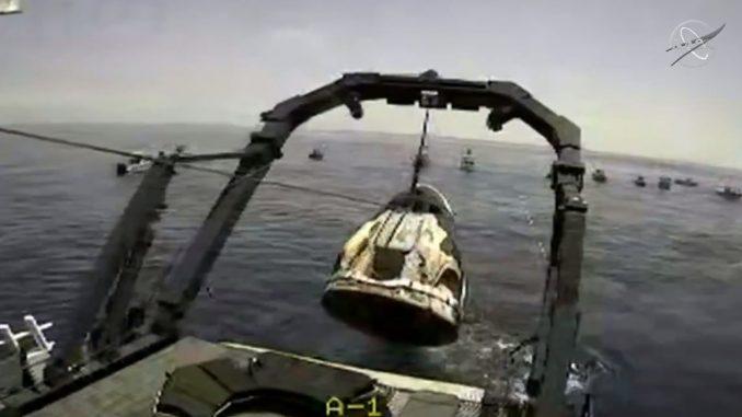 Ammarata con successo la navicella Dragon Endeavour