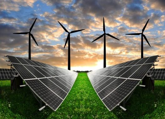 Aumenta la produzione di energia elettrica con eolico e solare